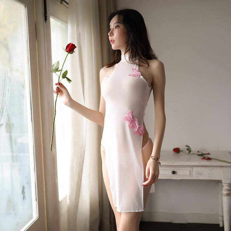 Oriental Beauty : Aneisha Cheongsam